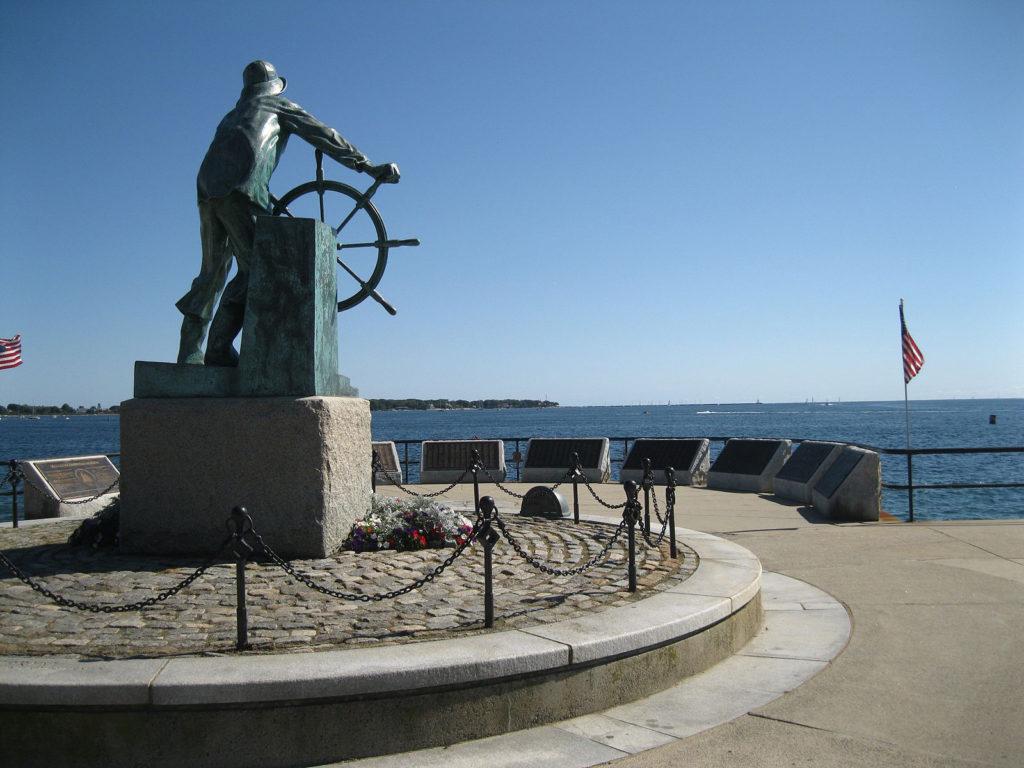 """Man at the Wheel""/Fisherman's Memorial Statue in Gloucester"